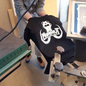 MAMMUT-TShirt. verschiedene Größen, Farbe: Schwarz mit weißem Logo-Aufdruck, maschinen-waschbar bis 30°C,  Stückpreis: 12,00 EUR